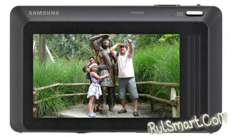 Samsung представила первую в мире фотокамеру с двумя дисплеями и рекордным разрешением тачскрина