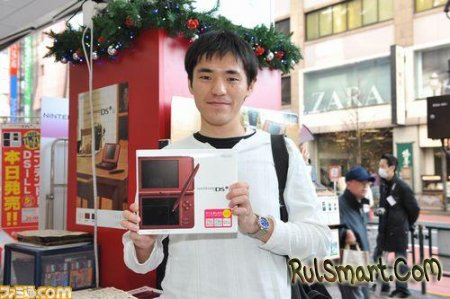 вышла обновленная консоль Nintendo DSi с большими дисплеями