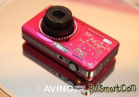 Casio Hello Kitty – розовая и блестящая фотокамера