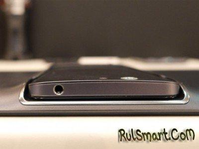 ASUS PadFone E - гибрид из среднего класса