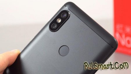 Xiaomi Mi Max 3: смартфон с 6.9-дюймовым экраном на живых фото
